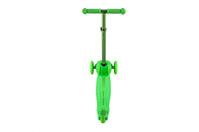 Зеленый самокат вид сзади